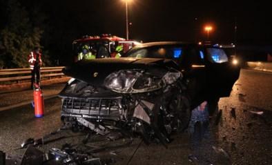 Man crasht met Porsche op E17