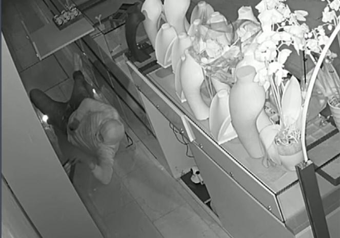 Brutale inbraak bij juwelier in de Sleepstraat voor rechter: dieven maakten gat in de muur