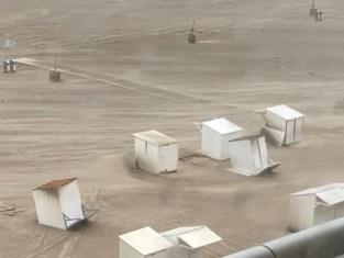 Strandcabines vliegen rond en muur ingestort: storm Odette gaat tekeer in ons land