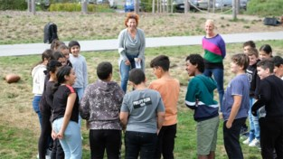 """Zesdejaars Sint-Pietersschool krijgen buiten les van actrice Veerle Malschaert: """"Alles verloopt spontaner en energieker"""""""