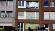 Moeder wier peuter in snikheet appartement stierf is vrijgelaten