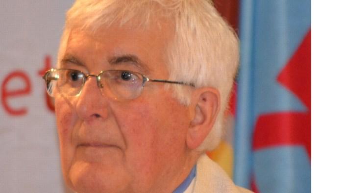 Scouts vormt erehaag voor pater Rik (83)