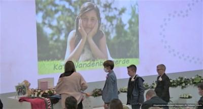 """Veel verdriet, maar ook woorden van hoop tijdens afscheid Kato (12): """"We zullen zorgen dat je voor heel België iets hebt betekend"""""""
