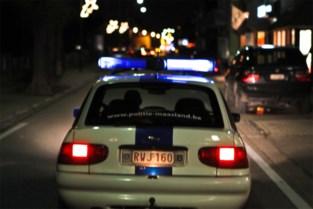 Auto's vliegen door haag bij ongeval in Elen: een gewonde
