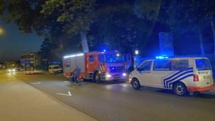 Indringers eisen betaling van 80.000 euro en stichten brand