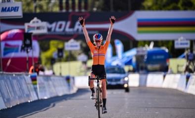 Dubbelslag Van der Breggen: Nederlandse wint nu ook de wereldtitel op de weg na indrukwekkende solo