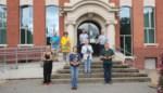 N-VA Zoersel schenkt 1 euro aan Kom Op Tegen Kanker per verkochte azalea en doneert zo 570 euro