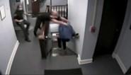 Spectaculair: beklaagde ontsnapt in rechtbank, agent duikt erachteraan