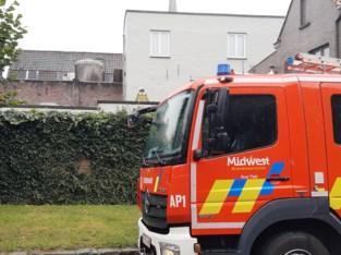 Dak van Kruidvat dreigt in te storten, brandweer pompt water weg