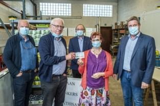 Boek brengt 1.350 euro op voor De Graancirkel