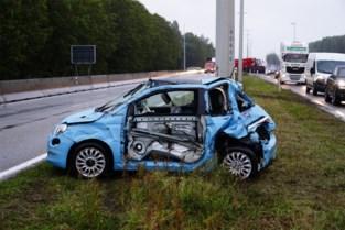 Ongeval met vijf wagens stuurt avondspits op de Kennedylaan in de war