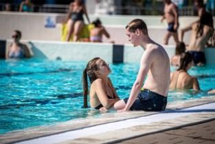 IJsberen kunnen nog maand langer buiten zwemmen in Hasselts Kapermolenbad