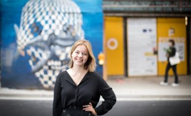 """""""Wat je ook doet, je kan niet <I>onverkracht </I>worden"""": Lore Baeten (25) schreef zelfhulpboek na tien jaar verwerking"""