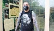 Lerry (44) heeft alle gorilla's van de Zoo op zijn lichaam laten tatoeëren