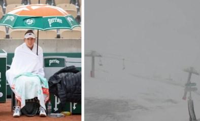 Na het uitstel door corona, nu het herfstweer: gure regen in Roland Garros, sneeuw op de wielercols