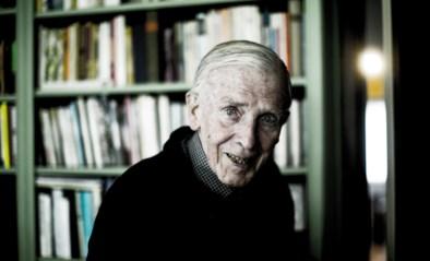 """Aster Berkhof (100) overleden na 101 romans: """"De dood schrikt me niet af. Daarna is er niets"""""""
