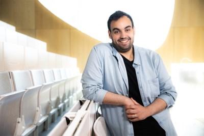 """Kamal Kharmach helpt bedrijven in nood in 'Andermans zaken': """"Eerste reactie was vaak: die komiek weet niet waarover hij het heeft"""""""