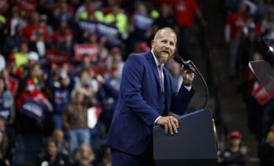 Rijzende ster tot hij ontslagen werd door Trump: ex-topman Witte Huis opgenomen in psychiatrie