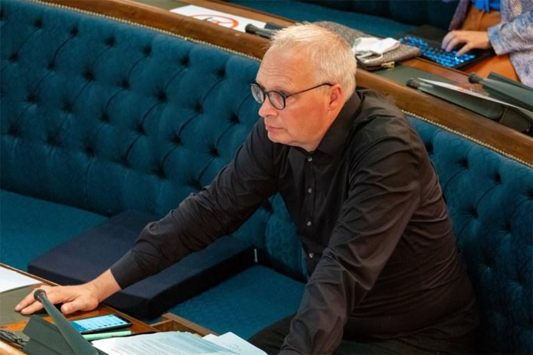 """""""Vlaamse kiezer genegeerd"""" en """"omkoperij voor postjes"""": oppositiepartijen misnoegd over regeerakkoord"""