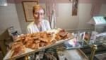 """Klanten nemen afscheid van Anneke en haar bakkerswinkeltje: """"Je kwam hier bij familie"""""""