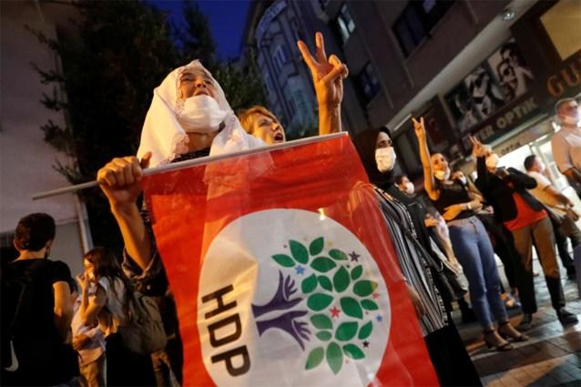 Opnieuw arrestaties bij razzia's tegen pro-Koerdische oppositiepartij in Turkije