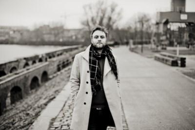 """""""Praten over mijn psychoses heeft gewerkt"""": singer-songwriter Ian Clement (34) heeft nieuwe soloplaat"""