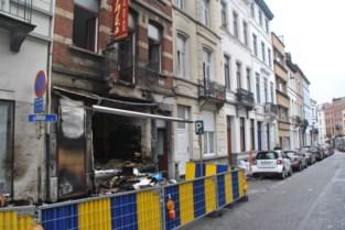 Onrustige nacht in Elsene met vier brandstichtingen: drie gewonden, woningen en winkel beschadigd