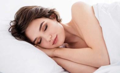 De waarheid over naakt slapen: levert het je echt een positiever zelfbeeld en betere seks op?