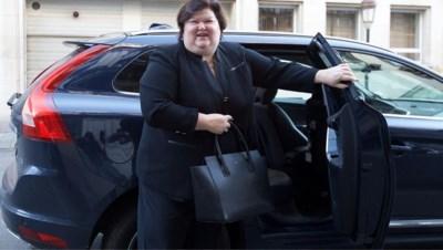 Kabinetten leeggemaakt, sleutels van dienstvoertuigen afgegeven: wat gaan Maggie De Block en andere ex-topministers nu doen?