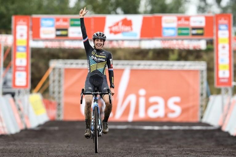 Toon Aerts wint Ethias Cross in Kruibeke, Thibau Nys (17) gooit hoge ogen met vijfde plaats