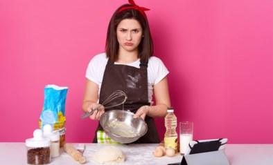 Hoe voorkom je dat een schnitzel aanbakt of dat witte saus gaat shiften? Het antwoord op al jullie keukenproblemen