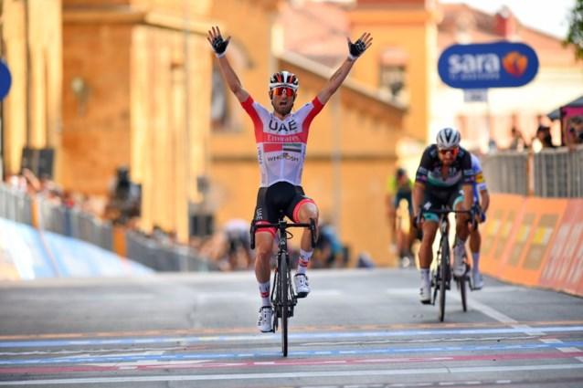 UITSLAG ETAPPE 2 GIRO. Twee op twee voor Italië: Diego Ulissi verslaat Peter Sagan op pittige slotklim