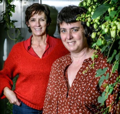 """Phara de Aguirre interviewt lotgenote Liesbeth Van Impe over haar boek: """"Kanker overwinnen is geen prestatie. Het is een kwestie van geluk"""""""