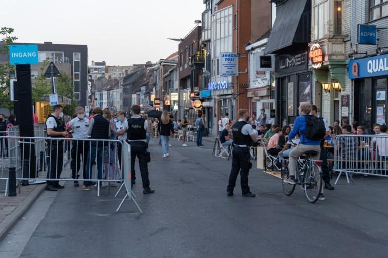 """Politie tevreden over rustige nacht in Overpoort: """"Boodschap is aangekomen bij de studenten"""""""