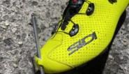 Renner post waanzinnige foto waaruit blijkt dat zijn voet ternauwernood was gespietst in Giro