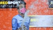 """Alex Dowsett wint rit in de Giro, maar heeft nog geen team voor volgend jaar: """"Hoop dat dit me contract oplevert"""""""