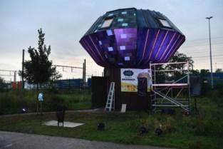 """Jongeren gaan brainstormen over hun stad in 'De Droomhut' op Spoor Oost: """"Goed dat er naar ons wordt geluisterd"""""""