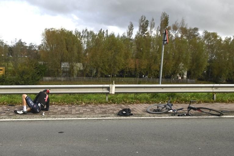 Niet op tv: stevige valpartijen in Gent-Wevelgem met onder meer Oliver Naesen in beeld