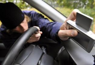 Werkmateriaal uit voertuig gestolen in Niel-bij-Sint-Truiden