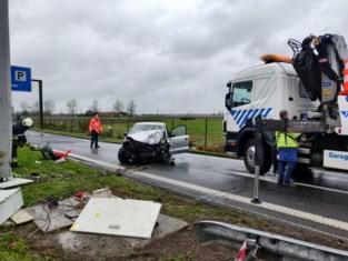 Opnieuw ongeval aan vangrails tankstation Mannekensvere