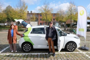 Brasschaat lanceert vijf nieuwe elektrische deelwagens