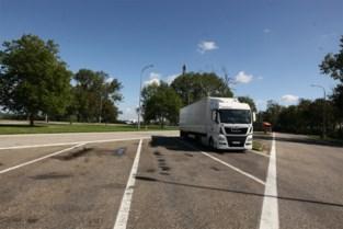 Burgemeester en politie vrezen toestroom transmigranten op snelwegparking