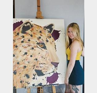 """Thuiszitten door corona? Kunstenares Lisa-Marie (23) helpt je aan een nieuwe hobby: """"Extra kleur in sombere tijden"""""""