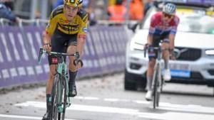 """Wout van Aert na het incident met Mathieu van der Poel: """"Ik denk nog steeds hetzelfde, maar laat me geen tweede keer meer vangen"""""""