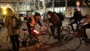 Boetes van 58 euro voor tientallen fietsers: geen licht of in verboden straat in Gent