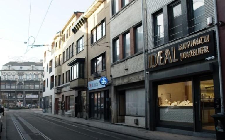 Ingenieuze inbraak bij juwelier in Sleepstraat komt dader duur te staan: vier jaar cel