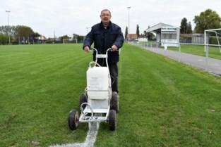 """Dosko Kanegem is zijn duivel-doet-al Hendrik kwijt: """"Drie auto's versleten aan mijn club"""""""