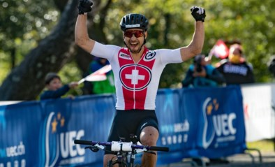 Nino Schurter neemt revanche voor verloren wereldtitel en volgt Mathieu van der Poel op als Europees kampioen mountainbike