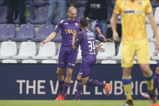 Carnaval op het Kiel: Beerschot houdt schietoefeningen tegen STVV en wint met 6-3