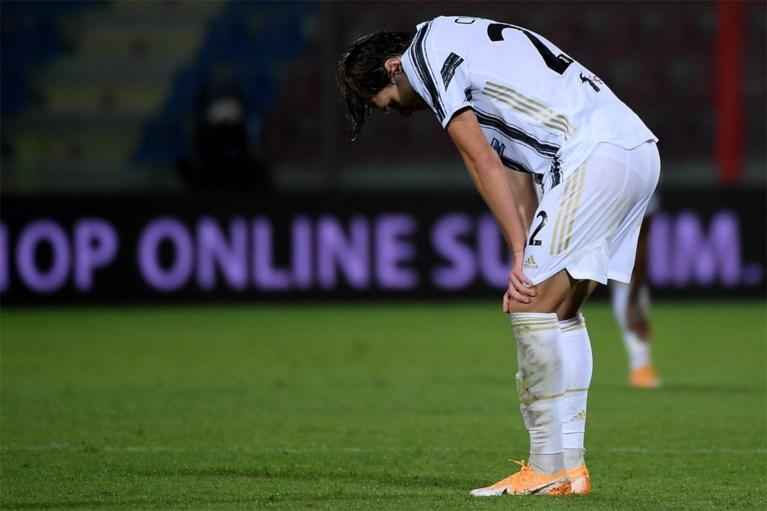Juventus raakt niet voorbij promovendus en verliest opnieuw punten, debutant Chiesa pakt meteen rood na gemene fout